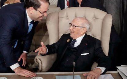 Chahed rend visite à Caïd Essebsi : « Le président est entre de bonnes mains»