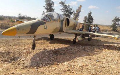 Médenine: Un avion militaire libyen atterrit en urgence à Beni Ghezayel (photos)