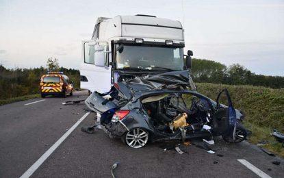 Sfax : Un mort et deux blessés graves dans un accident à Bir Ali Ben Khalifa causé par un camion transportant du carburant de contrebande