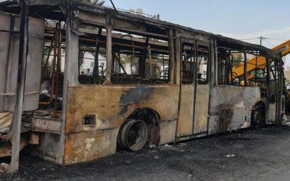 Deux bus incendiés à Djerba : La piste criminelle privilégiée