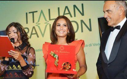 Hend Sabry première femme arabe à recevoir le Starlight Cinema Award à la Mostra de Venise
