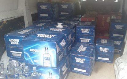 Contrebande : La garde douanière saisit une grande quantité de cigarettes, boissons alcoolisées, et aphrodisiaques