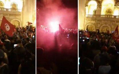 Présidentielle : Les partisans de Kaïs Saïed fêtent leur victoire à l'avenue Habib Bourguiba de Tunis (vidéo)