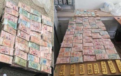 Contrebande : Des lingots d'or (21kg), des devises et 395.000 DT saisis à Douz