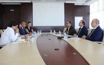 Utica : Le développement des énergies renouvelables en Tunisie au centre d'une réunion avec une délégation de la BAD