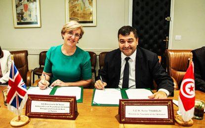 René Trabelsi signe un pacte tuniso-britannique sur le tourisme durable