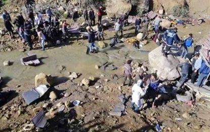 Au moins 19 morts et 22 blessés dans un reversement de bus entre Aïn Draham et Béja