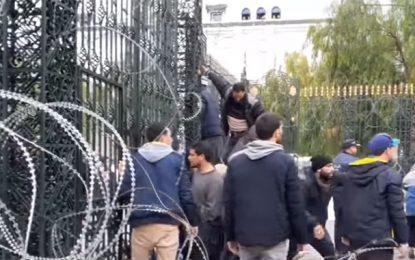 Au Bardo : Scènes de chaos devant l'Assemblée
