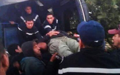Gafsa : Des blessés dans la collision entre un bus de transport d'ouvriers du GCT et une tractopelle