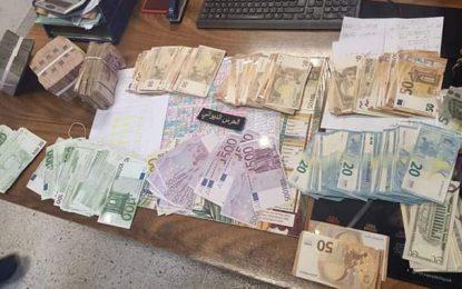 Monastir : Une directrice d'une société privée arrêtée en possession de devises