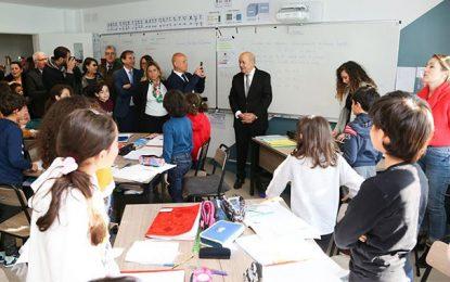 Jean-Yves Le Drian visite le Groupe Scolaire René Descartes à Tunis