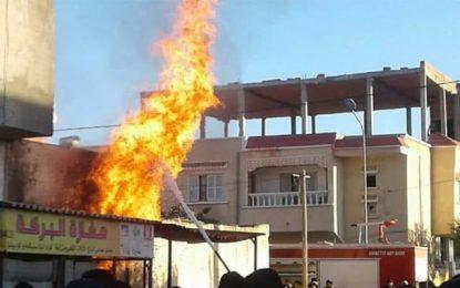 Incendie dans un dépôt de carburant de contrebande à Meknassy : Neuf brûlés, dont 5 pompiers