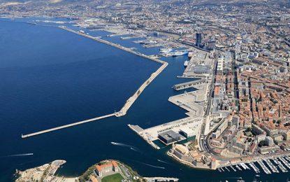 La Tunisie demande à ses fournisseurs de blé d'éviter les ports français