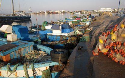 Chebba : des pêcheurs sauvent 14 de leurs collègues dont le bateau a coulé