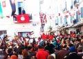 Des diplômés protestent à la place Mohamed Ali, à Tunis