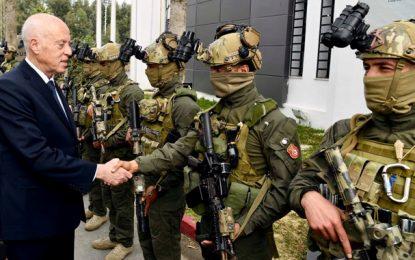 Saïed salue les forces militaires et sécuritaires, suite à l'élimination de 2 terroristes à Kasserine (Photos & Vidéo)