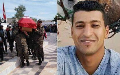 Gabès : Enterrement du soldat Khalil Zouinkhi, fauché par un contrebandier à Ben Guerdane