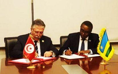 La Tunisie et le Rwanda signent un accord bilatéral sur les services aériens