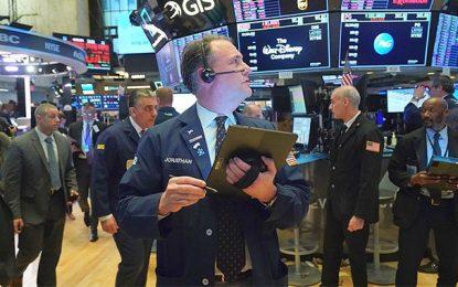 Le marché pétrolier s'effondre, l'économie mondiale broie du noir