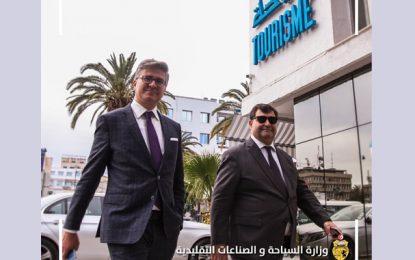 Le ministre du Tourisme, Mohamed Ali Toumi, exprime ses vœux de bon rétablissement à son prédécesseur René Trabelsi