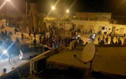 Kébili – Coronavirus : Manifestation nocturne déplorant les conditions de l'isolement sanitaire