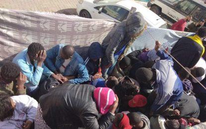Sfax : Un camion transportant des candidats à la migration clandestine intercepté et 3 passeurs arrêtés