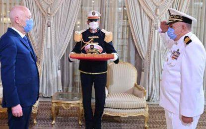 Le contre-amiral Adel Jhèn promu chef d'état major de l'armée de mer