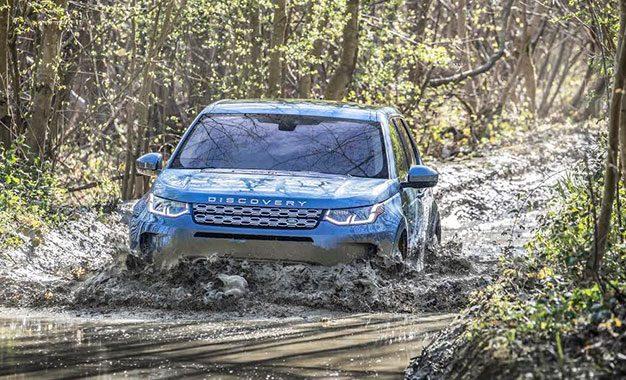 Land Rover Discovery Sport élu SUV compact haut de gamme de l'année