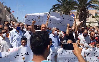 Tunisie : Sit-in des chauffeurs de taxi à la Kasbah