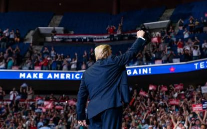 Etats-Unis: sale temps électoral pour Donald Trump