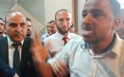 Après avoir agressé la garde présidentielle au parlement,  Makhlouf qualifie Moussi de «microbe» et de «crapule»