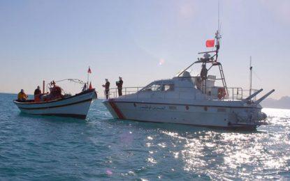 Avortement d'une tentative de passage clandestin des frontières d'un bateau équipé de moteurs marins