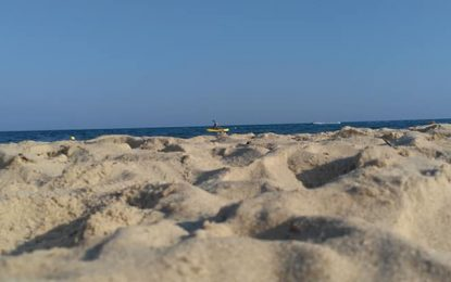Tunisie : «Beach clean», pour la réduction des déchets marins sur les plages de la Méditerranée