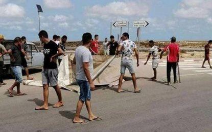Pour le 4e jour consécutif : La route entre Ben Guerdane et Ras Jedir bloquée par les protestataires