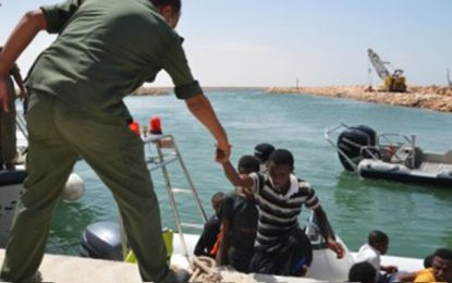Kerkennah : Sauvetage d'un bateau de migrants clandestins égaré en mer pendant 4 jours