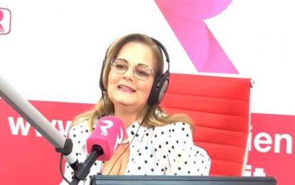 Profil : Donia Chaouch, la voix douce et amicale de RTCI
