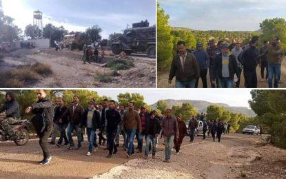 Kasserine: Sit-in près du champ pétrolier Doulab pour appeler au développement de la région