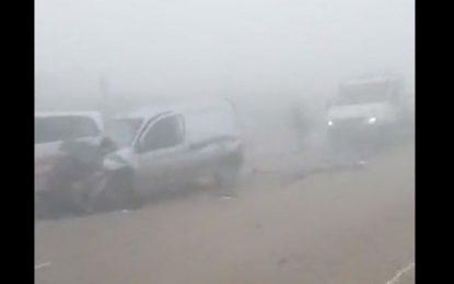 Accident sur l'autoroute Sousse-Sfax : 9 voitures se heurtent à cause du brouillard (Vidéo)