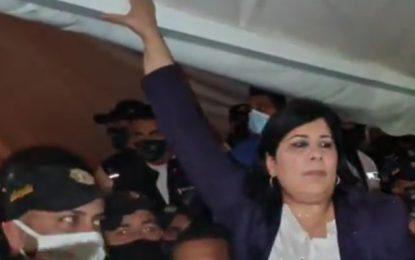 Le sit-in du PDL levé par la force, Abir Moussi dénonce la violence de «la police de Mechichi» (Photos)