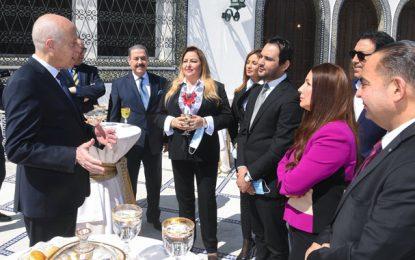Kaïs Saïed reçoit une délégation du syndicat des artistes, présidée par Lotfi Bouchnak (Photos)