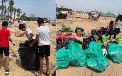 Journée mondiale de l'environnement : 70 bénévoles réunis pour nettoyer la plage de Radès (Photos)