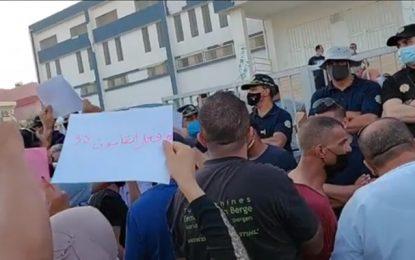 Visite du président Saïed a Gafsa : Des citoyens appellent à la dissolution du parlement