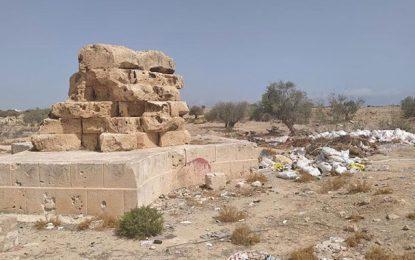 Djerba : Le site archéologique de Henchir Bougou réduit en décharge
