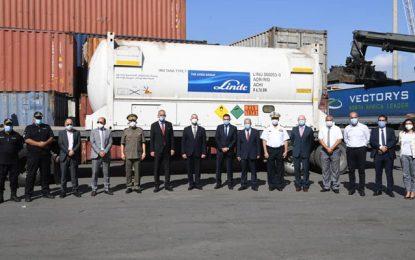 Solidarité-Covid : La Tunisie réceptionne 20.000 litres d'oxygène en provenance d'Italie (Photos)