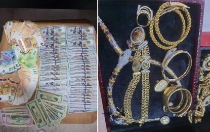 Sousse : La garde douanière saisit des devises et de l'or, d'une valeur de 245.000 dinars (Photos)