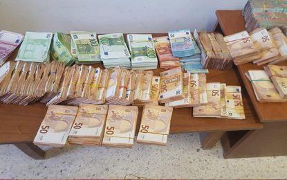 Tunisie : Mandat de dépôt contre la juge interceptée à Monastir en possession d'1,5 MD en devises