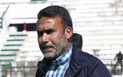 Victime d'un malaise, l'entraîneur tunisien Tarek Thabet transféré à une clinique