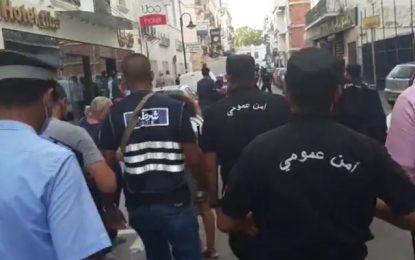 Le SNJT appelle le ministère de l'Intérieur à ouvrir une enquête sur l'agression de journalistes par des policiers (Vidéo)