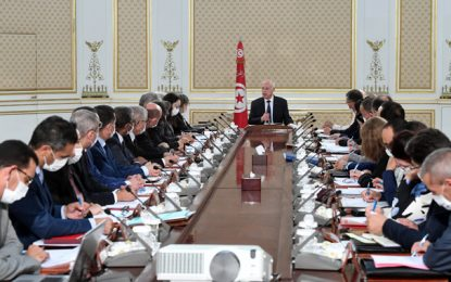 Tunisie : «Pas de dialogue avec les voleurs !», insiste le président Saïed